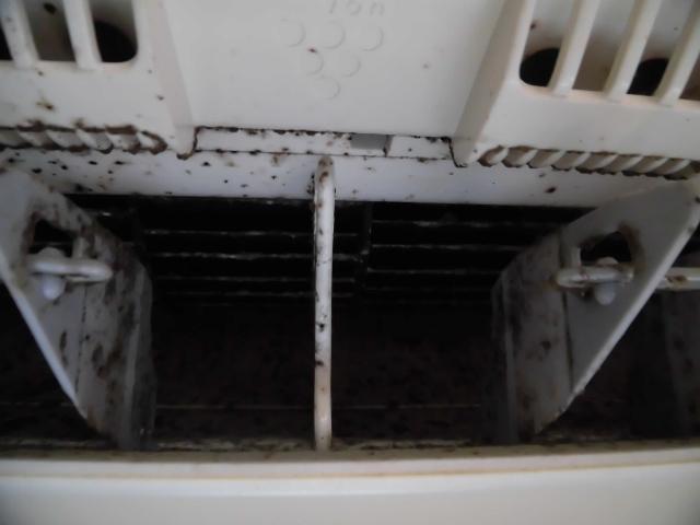 吹田市でお掃除機能付きエアコンクリーニング
