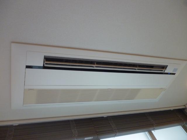 天井埋め込みエアコンクリーニング(家庭用)2方向