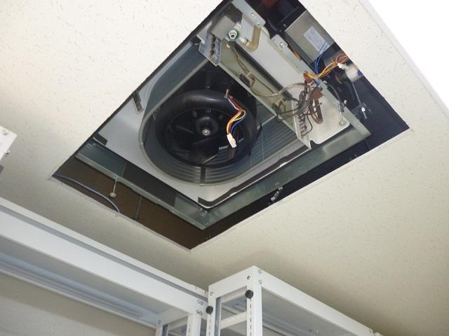 豊中市|天井埋め込みエアコンクリーニング