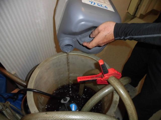 ファンコイルの冷温水配管の洗浄